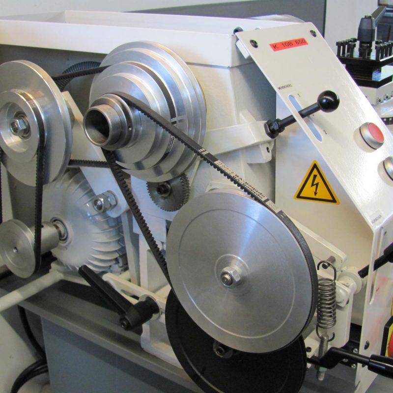 Drehmaschine K-10B: fast geräuschloser Riemenantrieb