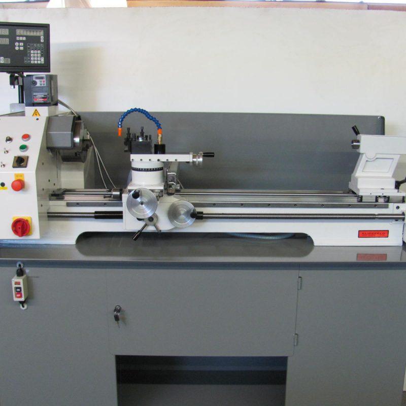 Drehmaschine K-12: mit 1100 mm Spitzenweite inkl. digitaler Positionsanzeige und Kühlmittelanlage