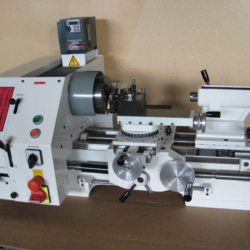 Drehmaschine K-9B: mit Elektronik-Steuerung (Motordrehzahlen stufenlos einstellbar)